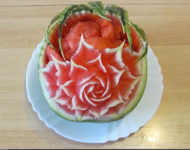 Melonen-Schnitzerei