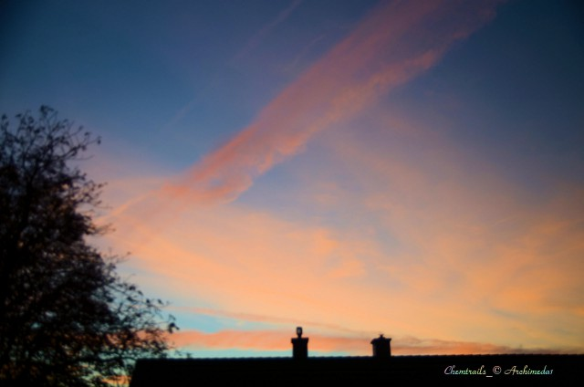 Chemtrails_abends_© Archimeda1